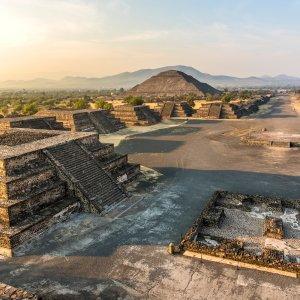 MX.POI.Sonnenpyramide von Teotihuacán 7 Blick auf die Sonnenpyramide