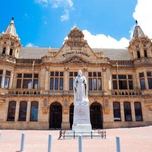 ZA.Port_Elizabeth_Public_Library Das historische Gebäude der öffentlichen Bibliothek in Port Elizabeth, Südafrika