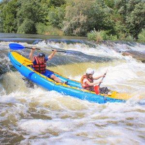 CR.Rio Pacuare 4 Zwei Personen beim Wildwater Rafting