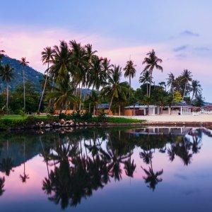 TH.AR.Ko Samui Bungalows Blick auf Bungalows bei Sonnenuntergang