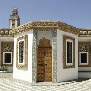 """MA.Agadir.Loubnan_Moschee Der Eingang zur """"Loubnan Moschee"""" in Agadir, Marokko"""