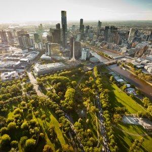 AU.Melbourne Der Blick von oben auf die Stadt Melbourne.