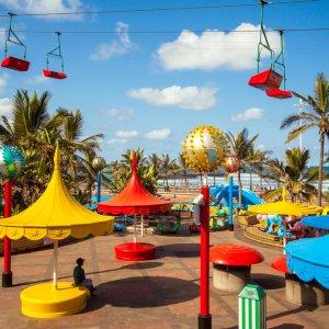 ZA.Durban.Promenade Das bunte Treiben an der Promenade von Durban, Südafrika