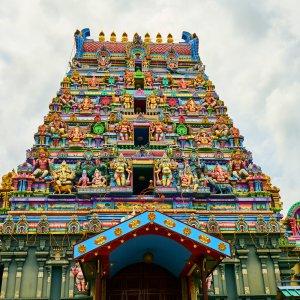 SC.Arul_Mihu_Navasakthi_Vinayagar_Tempel Der bunte und kunstvolle Arul Mihu Navasakthi Vinayagar Tempel auf den Seychellen