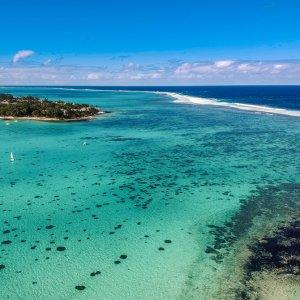 """MA.Ostkueste.Blue_Bay Panorama Aufnahme des blauen Wassers an der """"Blue Bay"""" an der Ostküste von Mauritius"""