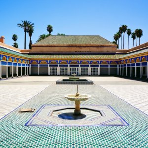"""MA.Marrakesch.Bahia Palace Innenansicht des bunt gefliesten und verzierten """"Bahia Palace"""" in Marrakesch, Marokko"""