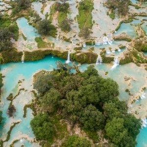 """OM.Salalah.Wasserfall Die weitläufige Wasserlandschaft der """"Darbat Wasserfälle"""" nähe Salalah, Oman"""