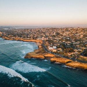 US.AR.San Diego Küste Blick auf die Küste San Diego bei Sonnenuntergang aus Vogelperspektive