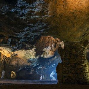 MA.Herkulesgrotte_Tunnel Die gewölbten Steintunnel der Herkulesgrotte