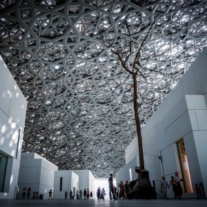 UAE.Louvre_Abu_Dhabi_Indoor_Plaza Die Plaza im Louvre Abu Dhabi