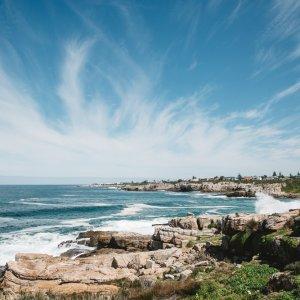 ZA.Hermanus.Kuestenlandschaft Die steinerne Küstenlandschaft von Hermanus in Südafrika
