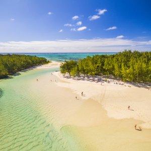 MU.Île_aux_Cerfs Der Übergang zwischen den Inseln Île aux Cerfs und Ilot Mangenie