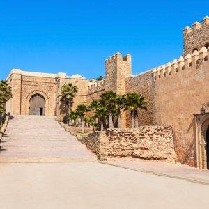 """MA.Rabat.Kasbah historische Stadtmauern und Eingang zum historischen Viertel von Rabat die """"Kasbah des Oudayas"""""""