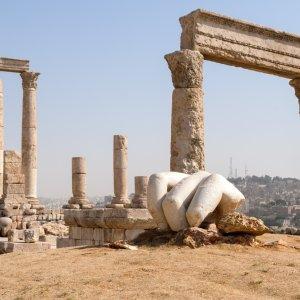 JO.Amman.Tempel_Hercules Überreste und alte Ruinen von römischer Architektur in Amman