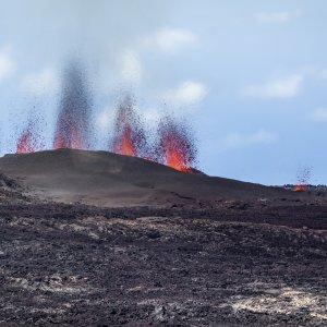 "RE.Piton_de_la_Fournaise_Vulkanausbruch Lavaausbruch am ""Piton de la Fournaise"" in La Réunion"