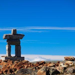 Steinfigur auf Berggipfeln in der Region um Whistler, Kanada