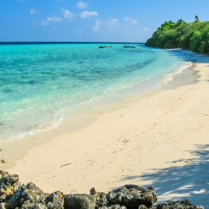MV.Nord_Male_Atoll_Strand Traumstrand und türkisblaues Wasser am Nord-Malé-Atoll, Malediven