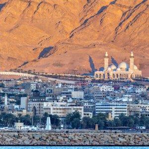 JO.Aqaba Skyline der Küstenstadt Aqaba in Jordanien