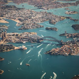 AU.Sydney Der Blick von oben auf das Zentrum von Sydney.