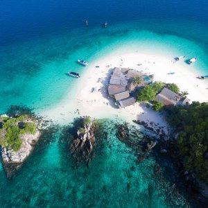 TH.AR.Phuket Insel Blick auf einen kleinen Inselabschnitt aus Vogelperspektive