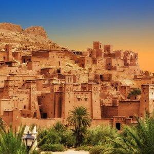 """MA.Ait_Ben_Haddou Panorama Aufnahme von der Oasenstadt """"Ait Ben Haddou"""" in der abendlichen Dämmerung, Marokko"""