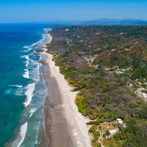 CR.Mal_Pais_Santa_Teresa Der Blick von oben auf die Küste von Santa Teresa.