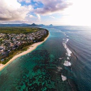 MA.Flic en Flac Luftaufnahme der Küste von Flic en Flac, Mauritius