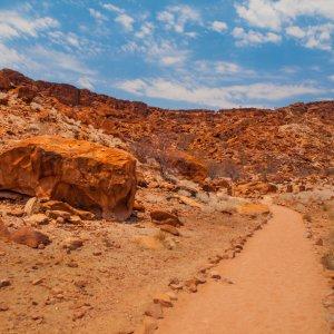NA.Twyfelfontein_Landschaft Die steinige Landschaft von Twyfelfontein