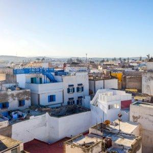 MA.Essaouira.Haeuser Luftaufnahme auf die Nachbarschaft in Essaouira, Marokko