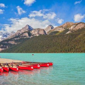 Kanada Banff Nationalpark Lake Louise Promande rotes Kanu