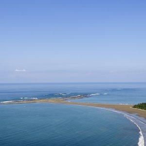 CR.Uvita_Costa_Ballena Der Blick auf den Strand von Uvita im Marino Ballena Nationalpark in Costa Rica.