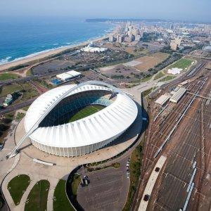 """ZA.Durban.Stadion Blick aus der Vogelperspektive auf das """"Moses-Mabhida-Stadion"""" in Durba"""