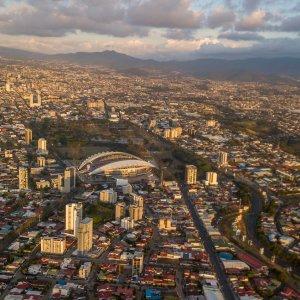 CR.San_Jose Der Blick von oben auf die Stadt San Jose in Costa Rica.
