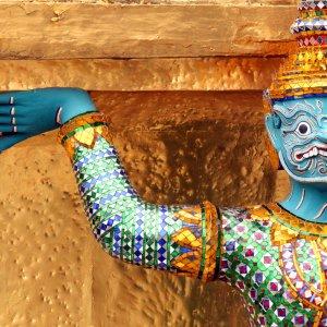 Sakrale Figur auf dem Gelände des Grand Palace in Bangkok