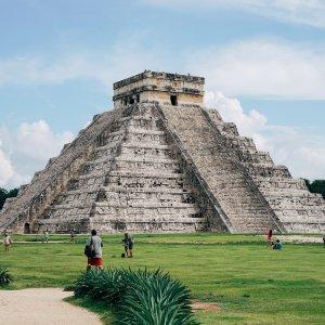 MX.POI.Chichén Itzá 1  Große Pyramide der Ruinenstätte