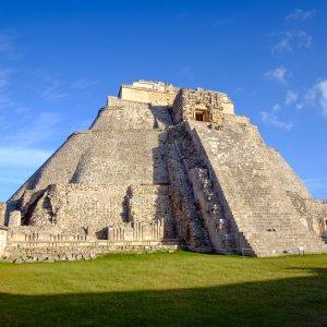 MX.Uxmal_Zauberer-Pyramide Die runde Pyramide des Zauberers in Uxmal