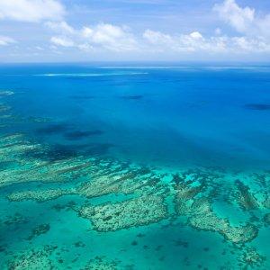 AU.Cairns_Great_Barrier_Reef Der Blick auf das Great Barrier Reef von oben.