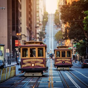 US.AR.San Francisco Cable Cars Blick auf zwei Cable Cars