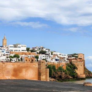 MA.Rabat Panorama Blick auf die an der Küste liegende Medina von Rabat, Marokko