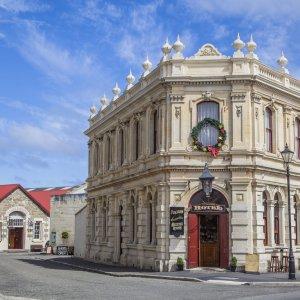 NZ.Oamaru_Victorian_Heritage_Precinct Der Blick auf die historische Innenstadt mit Baukünste aus der viktorianischen Zeit.
