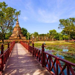 TH.AR.Sukhothai Wat Sa Sri Tempel Blick auf den Wat Sa Sri Tempel bei Tag