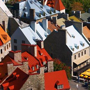Kanada Quebec Altstadt historisches Stadtteil Vieux-Quebec bunte Hausdächer
