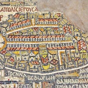 JO.Madaba_Mosaik_Karte Der Blick auf ein Fragment der ältesten Bodenmosaikkarte des heiligen Landes in der St. John Kirche in Madaba, Jordanien.