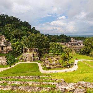 MX.Cascadas_Agua_Azul_Palenque Blick auf die alte Maya-Stadt Palenque