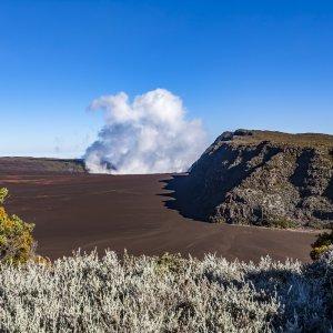 "RE.Piton_de_la_Fournaise Die Vulkanlandschaft des ""Piton de la Fournaise"" in La Réunion"