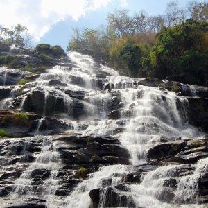 "Der ""Mae Klang Wasserfall"" am Gipfel des Doi Inthanon in Thailand"