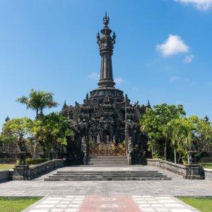 Bali.Denpasar.Denkmal Denkmal aus Stein in Denpasar