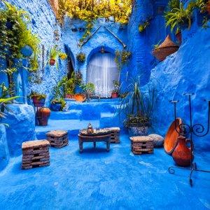 """MA.Chefchaouen.Hof Typisch marokkanischer Innenhof in der Blauen Stadt """"Chefchaouen"""", Marokko"""