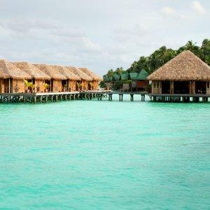 MV.Nord_Male_Atoll_Wasserbungalows Wasserbungalows auf dem türkisblauem indischen Ozean am Nord-Malé-Atoll, Malediven