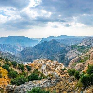 OM.Hadschar Gebirge Jebel Akhdaer Berg Blick über das Hadschar Gebirge